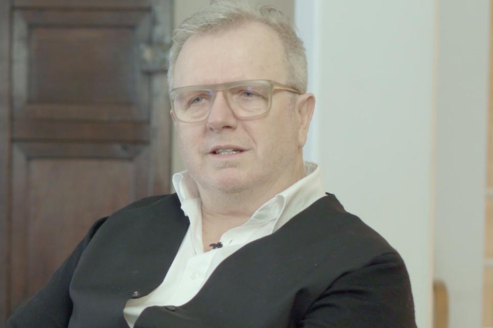 Bart Lens ontvangt de Henry van de Velde Lifetime Achievement Award